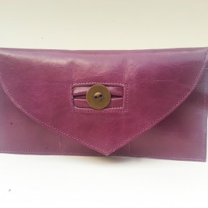 mini clutch with magnetic fastening and triple card holder 2_edited