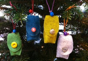 Devinesdesign Christmas tree decs..