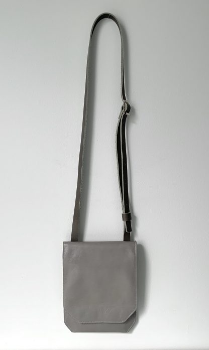 COL10 - Phone Pouch Bag
